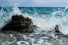 wave-1646757_1920.jpg